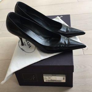 Prada black leather pumps